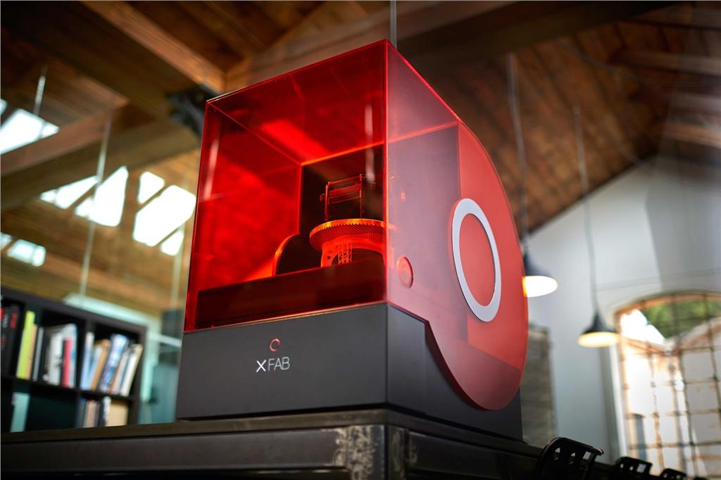 DWS推出的XFAB高階光固化技術列印機